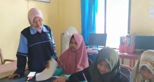Mahasiswa KKN Mandiri Uin Walisongo Semarang Memanfaatkan Perpus Desa untuk Bimbingan Belajar (BIMBEL)